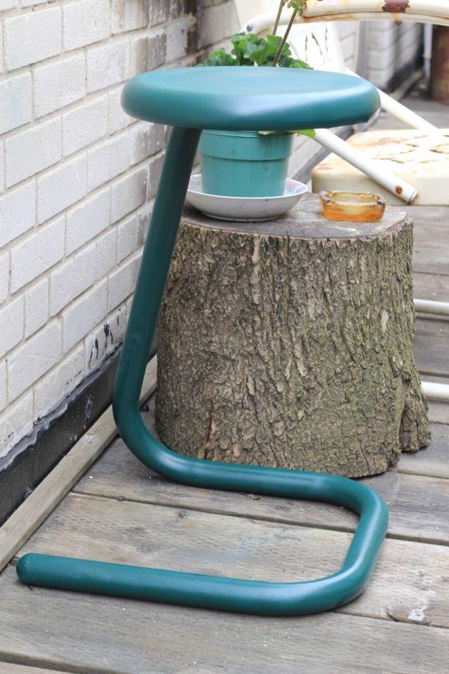 stool1-a