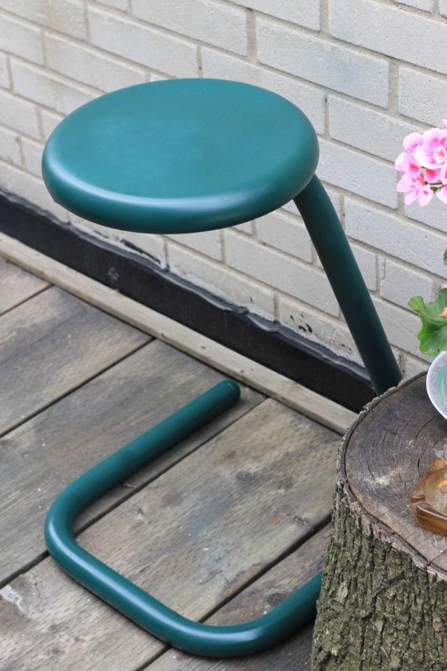 stool2-a